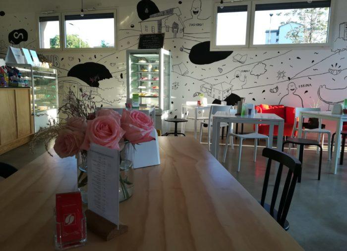 IL CAKE l'HUB, il Bar Pasticceria di Via Mengoni 3, APRE ANCHE DI LUNEDì !